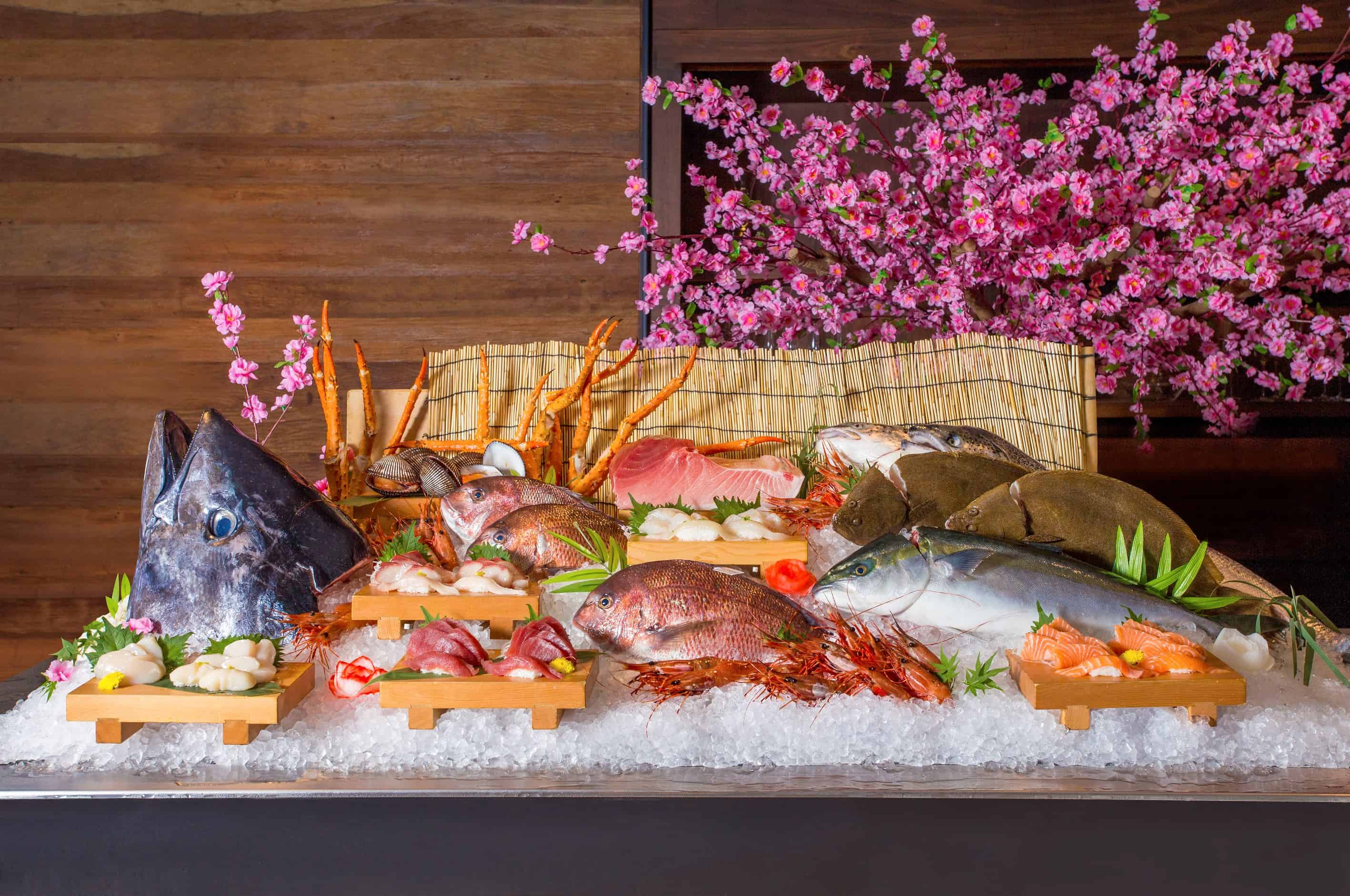 เริ่มตั้งแต่ซูชิและซาชิมิ จากโกจิ คิทเช่น + บาร์ (Goji Kitchen + Bar)