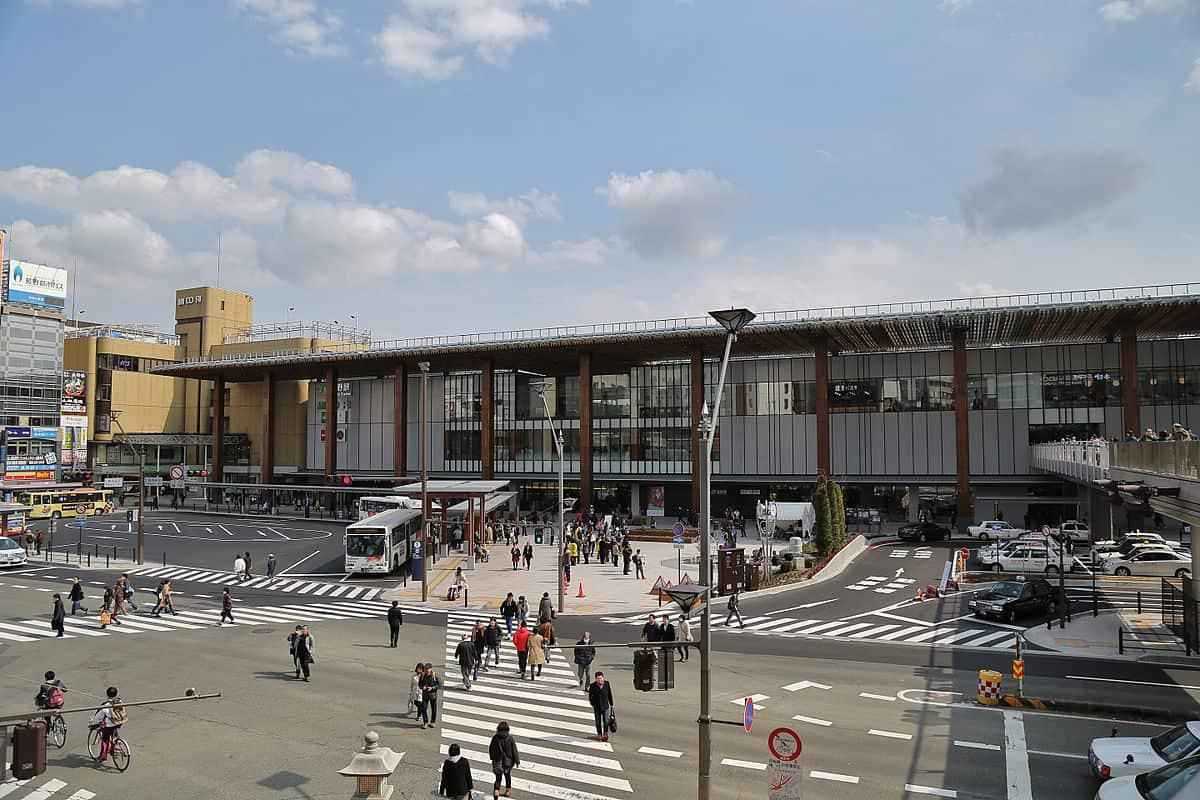 ด้านหน้าสถานีนากาโน่