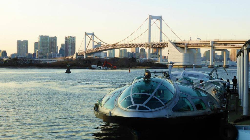 บนเรือ Tokyo Cruise Ship นี้คุณจะได้ผ่อนคลายเย็นสบายไปกับสายน้ำที่อยู่ท่ามกลางความเจริญรุ่งเรืองของเมืองหลวงญี่ปุ่นยาวไปถึงชายหาดโอไดบะ (Odaiba beach)