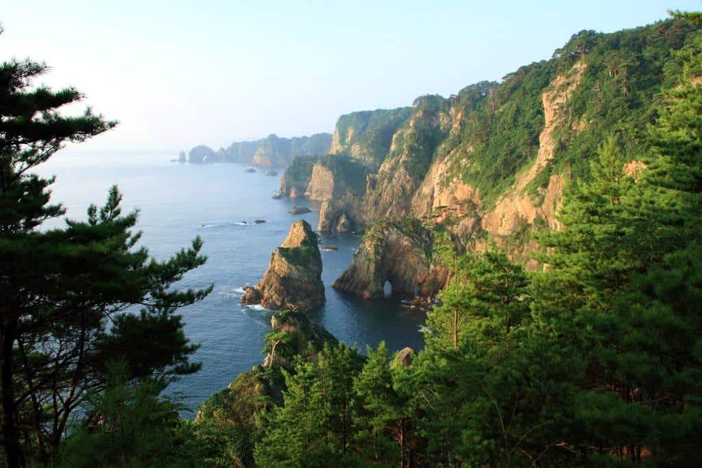 หน้าผาคิตะยามาซากิ (Kitayamazaki Coast) จังหวัดอิวาเตะ