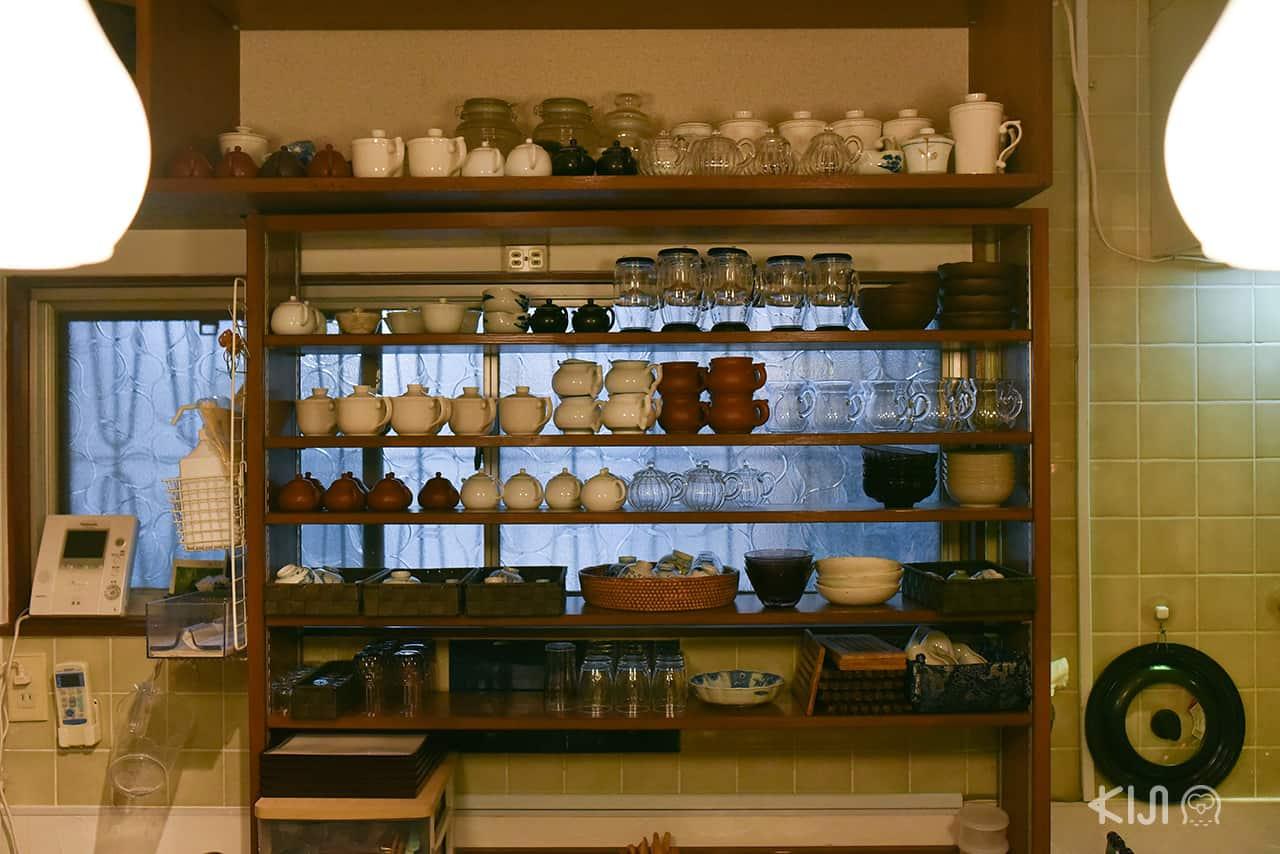 บรรยากาศด้านในร้านชา Garakucha ย่าน Nakazakicho ในโอซาก้า
