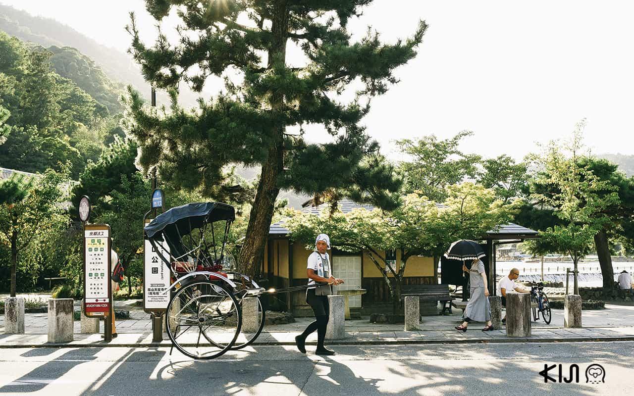 รถลากโบราณในย่านอาราชิยาม่า (Arashiyama)
