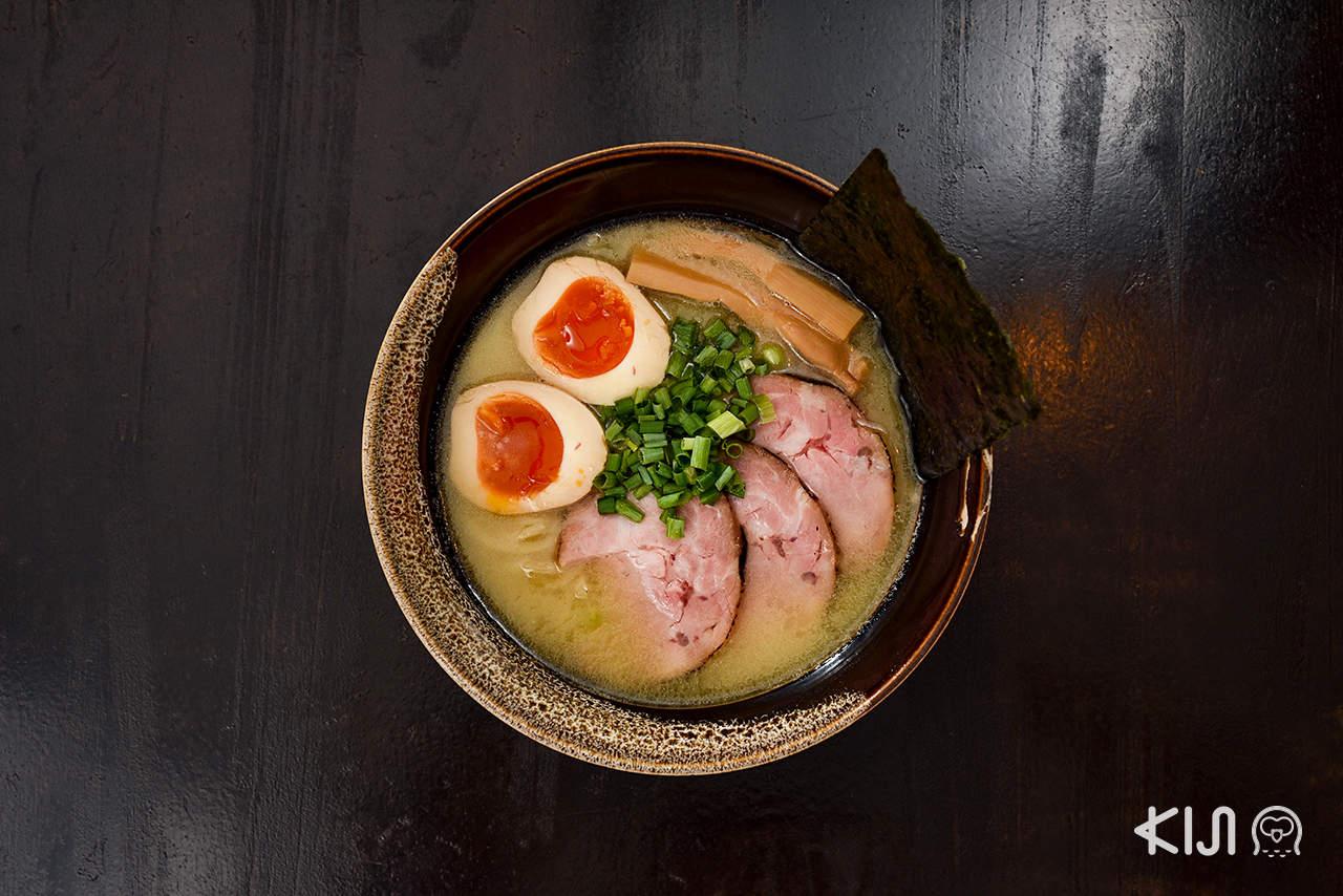 ร้านฟุคุดะ เซเมน (Fukuda Seimen) : Ajitama Nikumashi Fukuda Tonkotsu (280 บาท)
