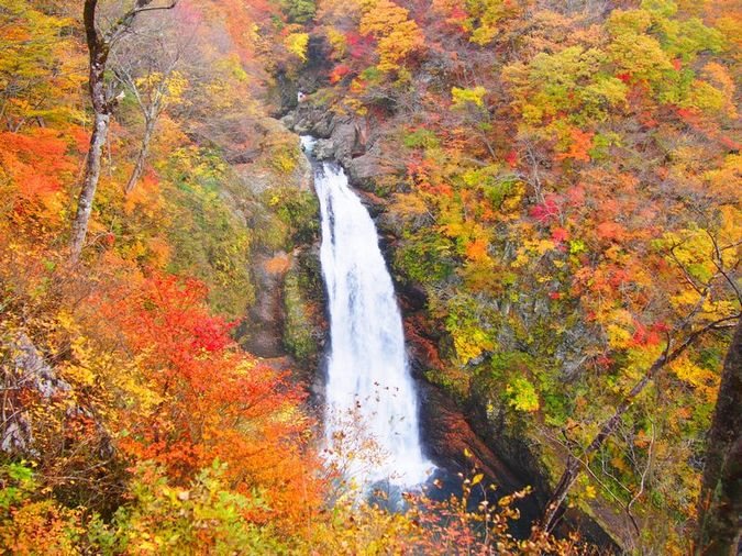 น้ำตก Akiu Fall