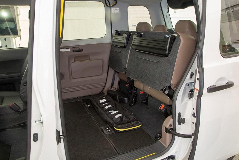 Toyota JPN Taxi Concept : พับเบาะได้เพื่อการใช้งานอเนกประสงค์