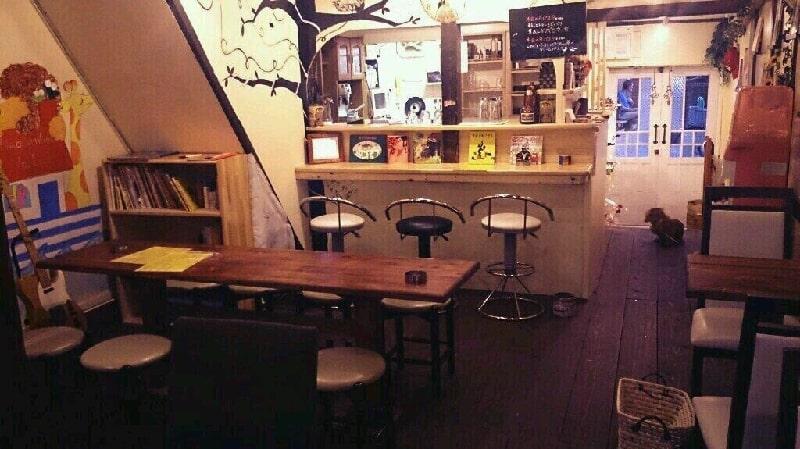 บรรยากาศด้านในร้านคาเฟ่น่ารัก 89 Cafe ย่าน Nakazakicho ในโอซาก้า