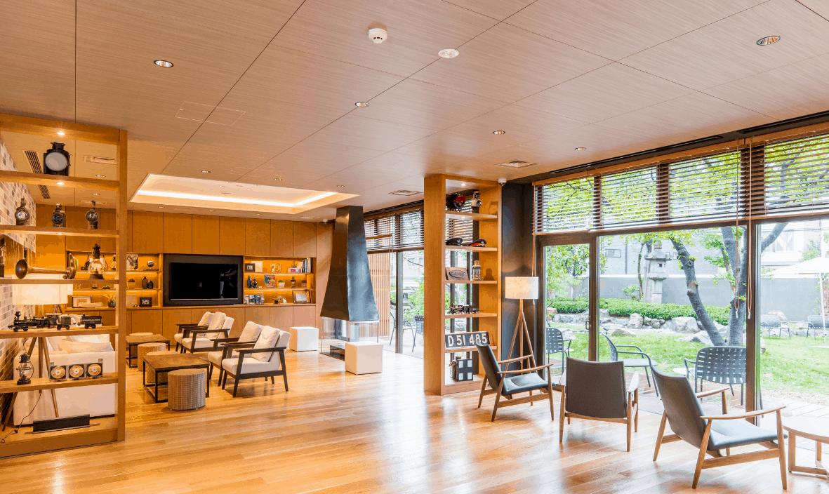 โซนพื้นที่ส่วนกลางภายในโณงแรมพรีเมียมแคปซูลในญี่ปุ่น
