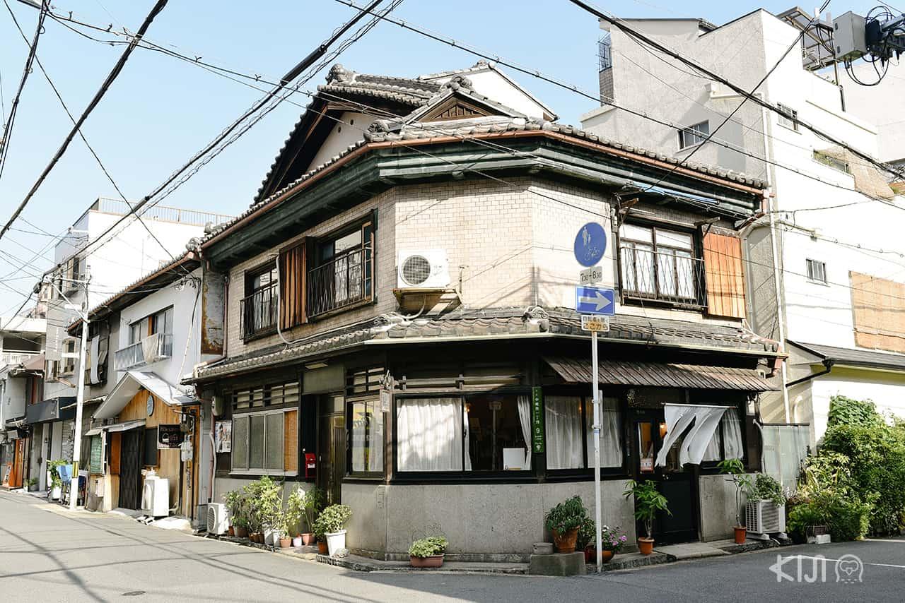 ร้านขายแปรงแต่งหน้า Sakurado ย่าน Nakazakicho ในโอซาก้า