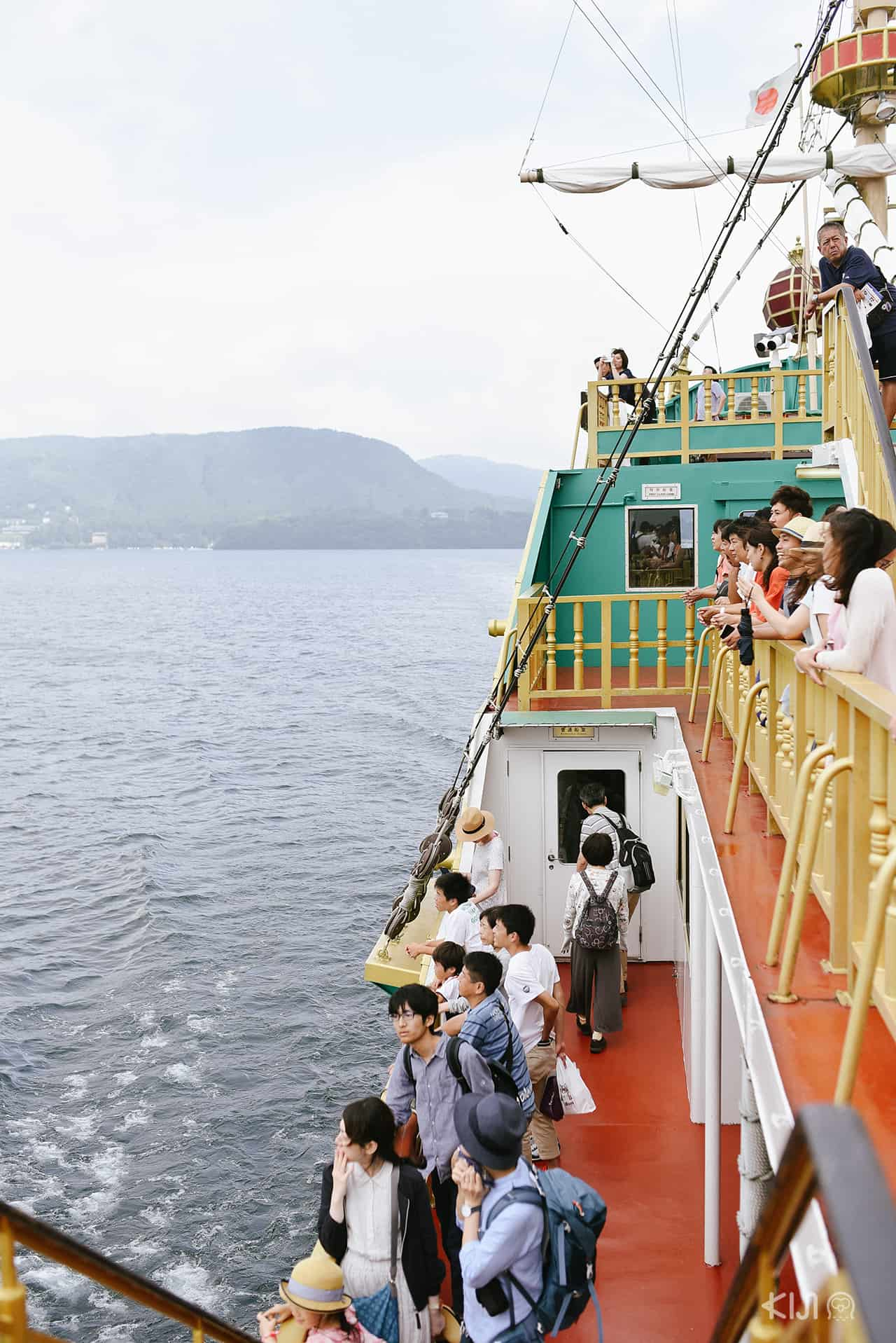 Hakone Sightseeing Cruise เรือนำเที่ยวชมรอบทะเลสาบอาชิ (Lake Ashi)
