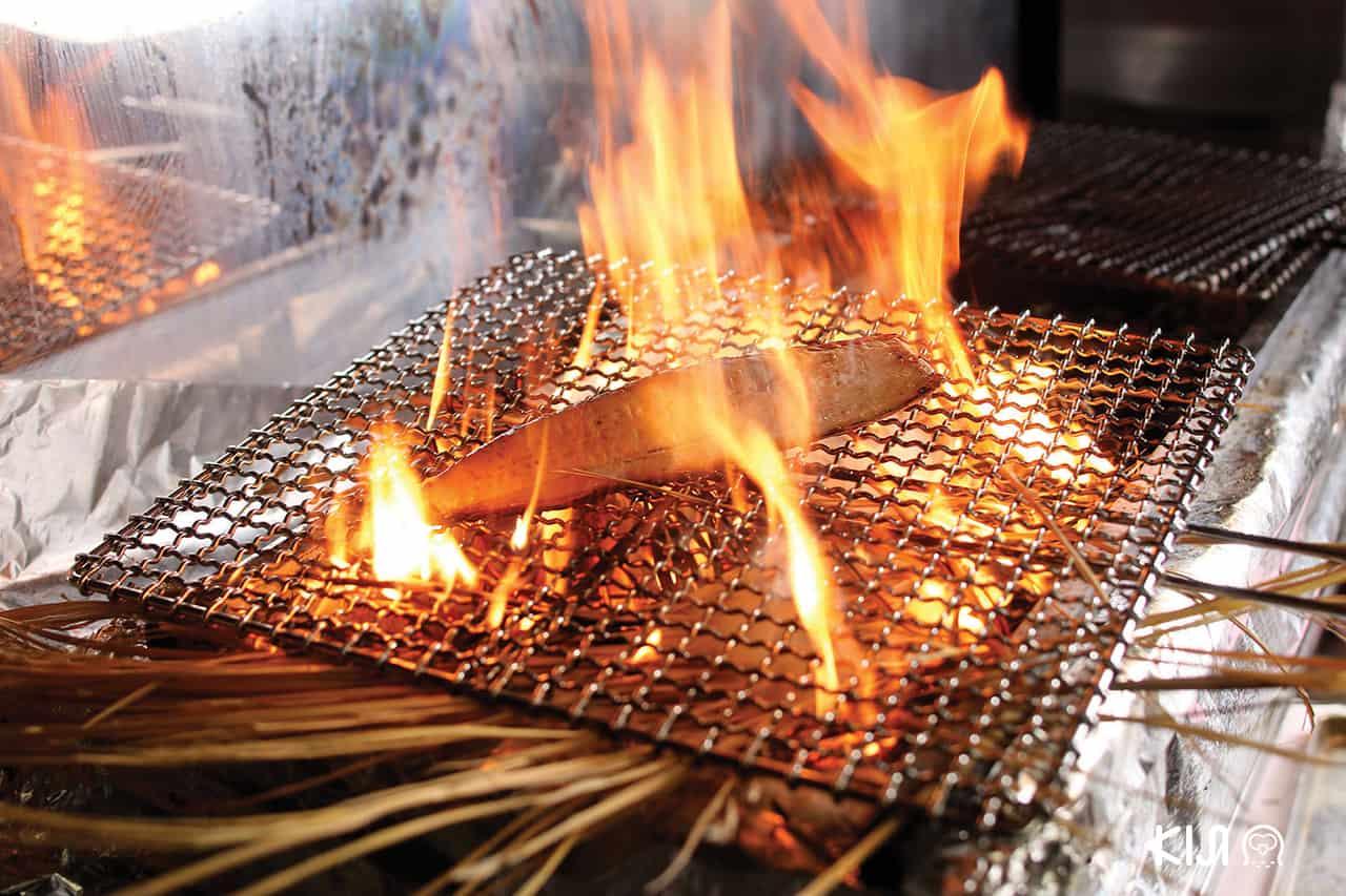 แซลมอน ย่างไฟ จากร้าน Hokkori ฮกโคะริ