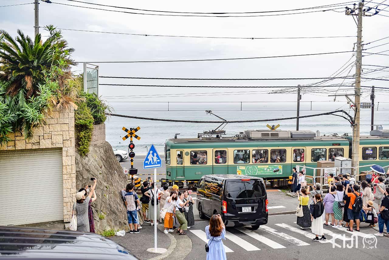 """อนิเมะญี่ปุ่นในตำนาน """"แสลมดังก์ (Slamdunk)"""" ที่ Kamakurakokomae Station"""