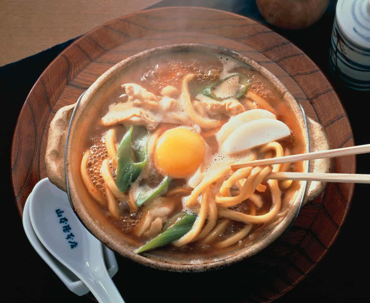 มิโซะนิโกมิอุด้ง (Miso Nikomi Udon : 味噌煮込みうどん) ที่นาโกย่า
