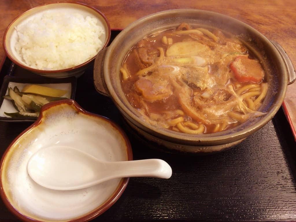 มิโซะนิโกมิอุด้ง ของร้านมิโซะนิโกมิโนะคาโดมารุ (Miso Nikomi no Kadomaru : みそ煮込のかどまる) ที่นาโกย่า