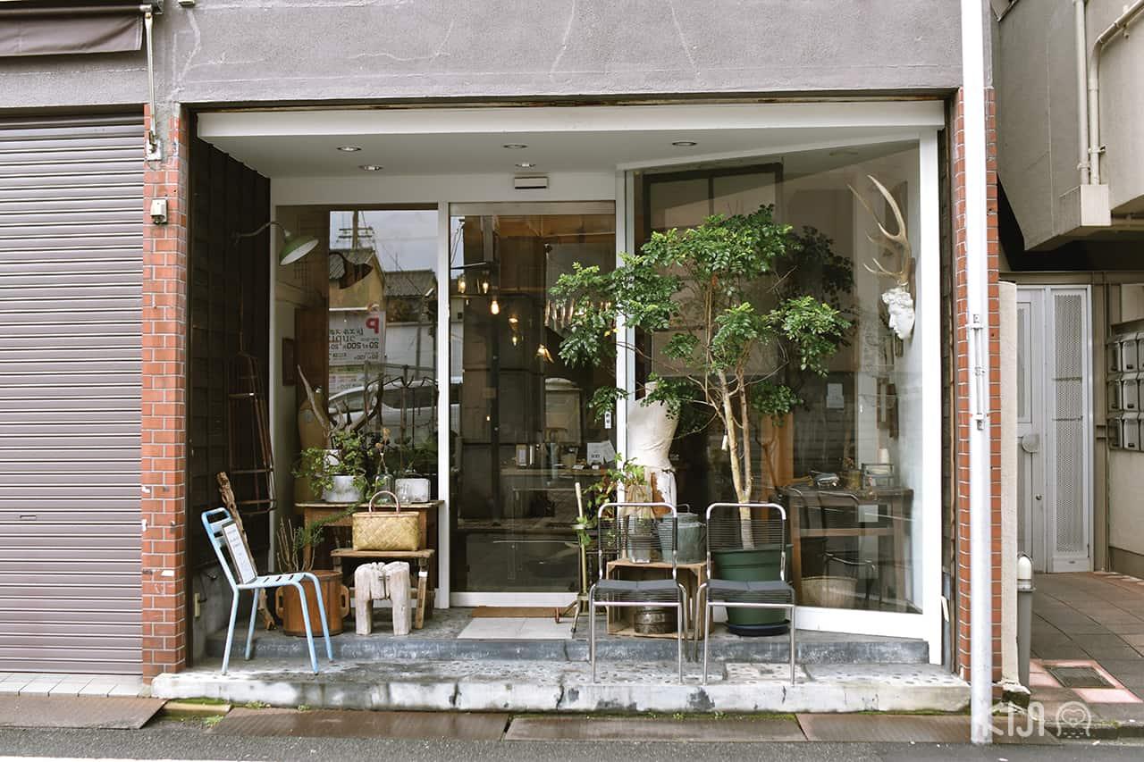 ร้าน Montique ร้านขายของใช้และของตกแต่งบ้านสไตล์วินเทจ ในย่านอิชิโจจิ (Ichijoji)