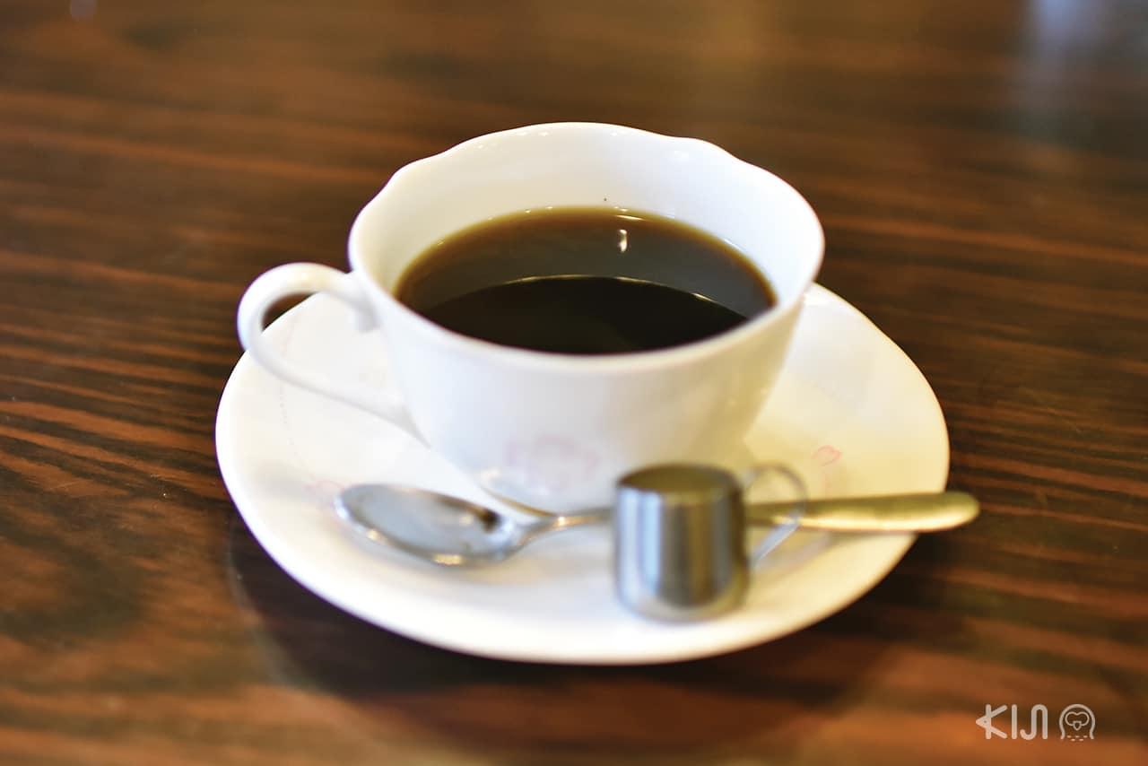 กาแฟดำรสชาติกลมกล่อม จากร้าน Coffee House Parrot
