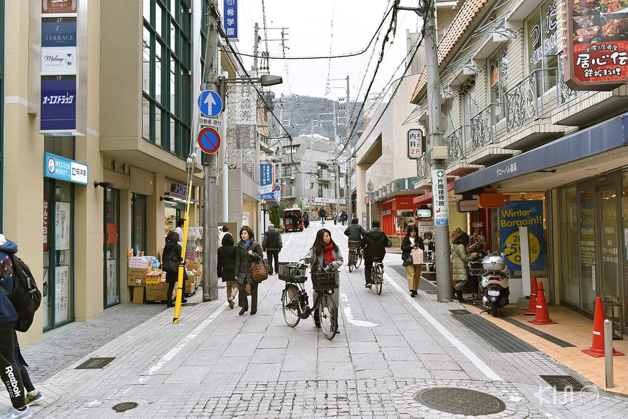ย่านการค้า Okamoto ในเมืองโกเบ