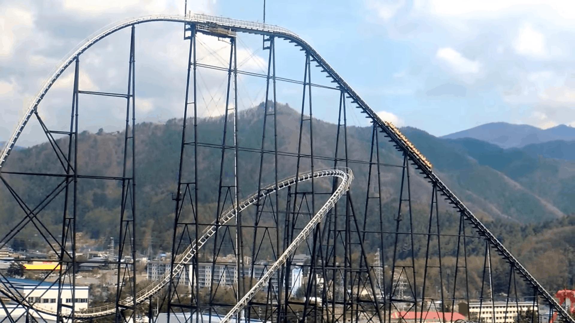 Fujiyama เครื่องเล่นที่สวนสนุก Fuji-Q Highland