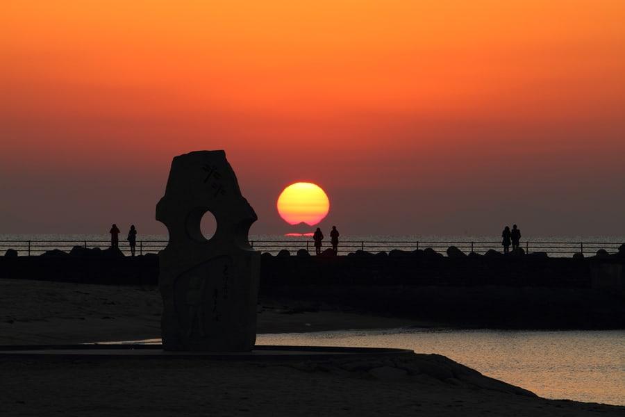 ฟุทามิ ซีไซด์ พาร์ค ตอนพระอาทิตย์กำลังจะตกดิน