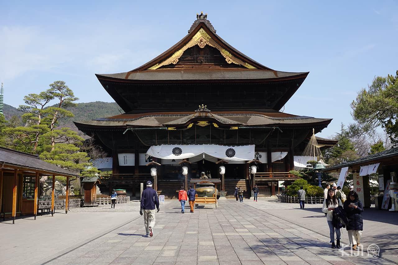 วัดเซ็นโคจิ (Zenkoji Temple) จังหวัดนากาโน่ (Nagano)