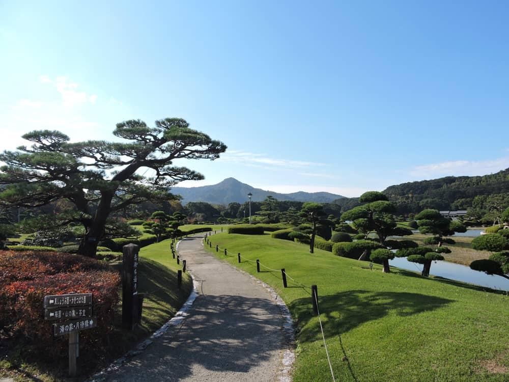 สวนนันระคุเอ็น (Nanrakuen Garden) จังหวัดเอฮิเมะ (Ehime)