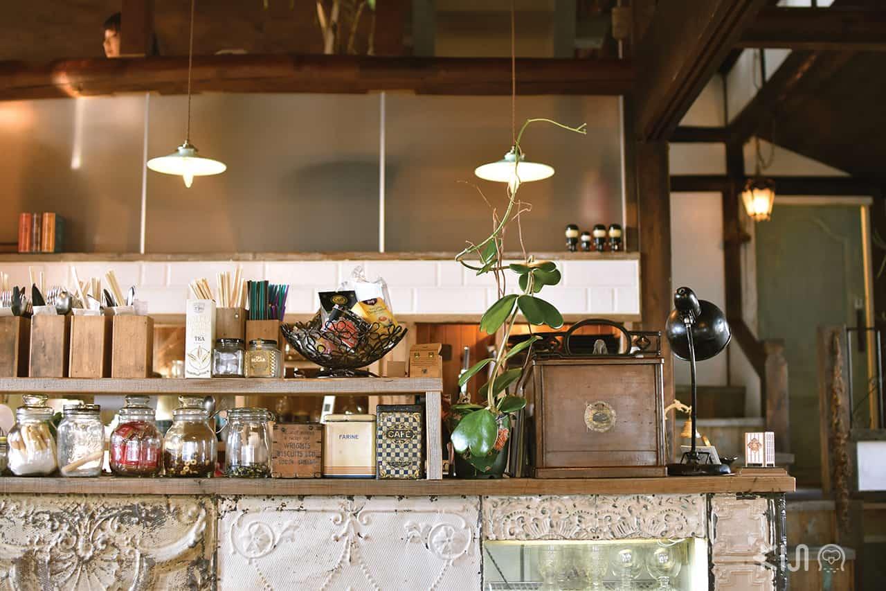 หน้าเคาท์เตอร์ของร้าน Café Hackberry