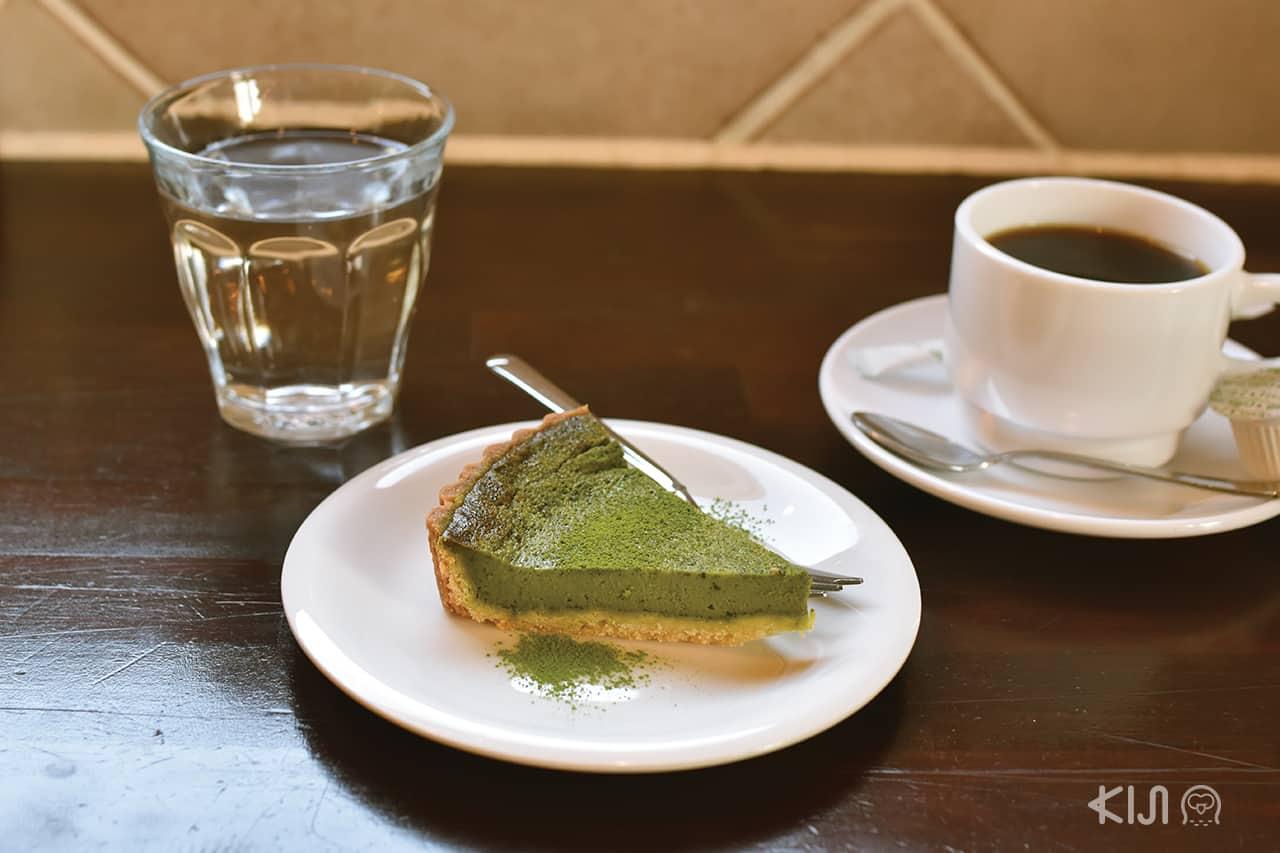 ชีสเค้กที่ทำจากอุจิมัทฉะ ของร้าน A.B.C. cafe
