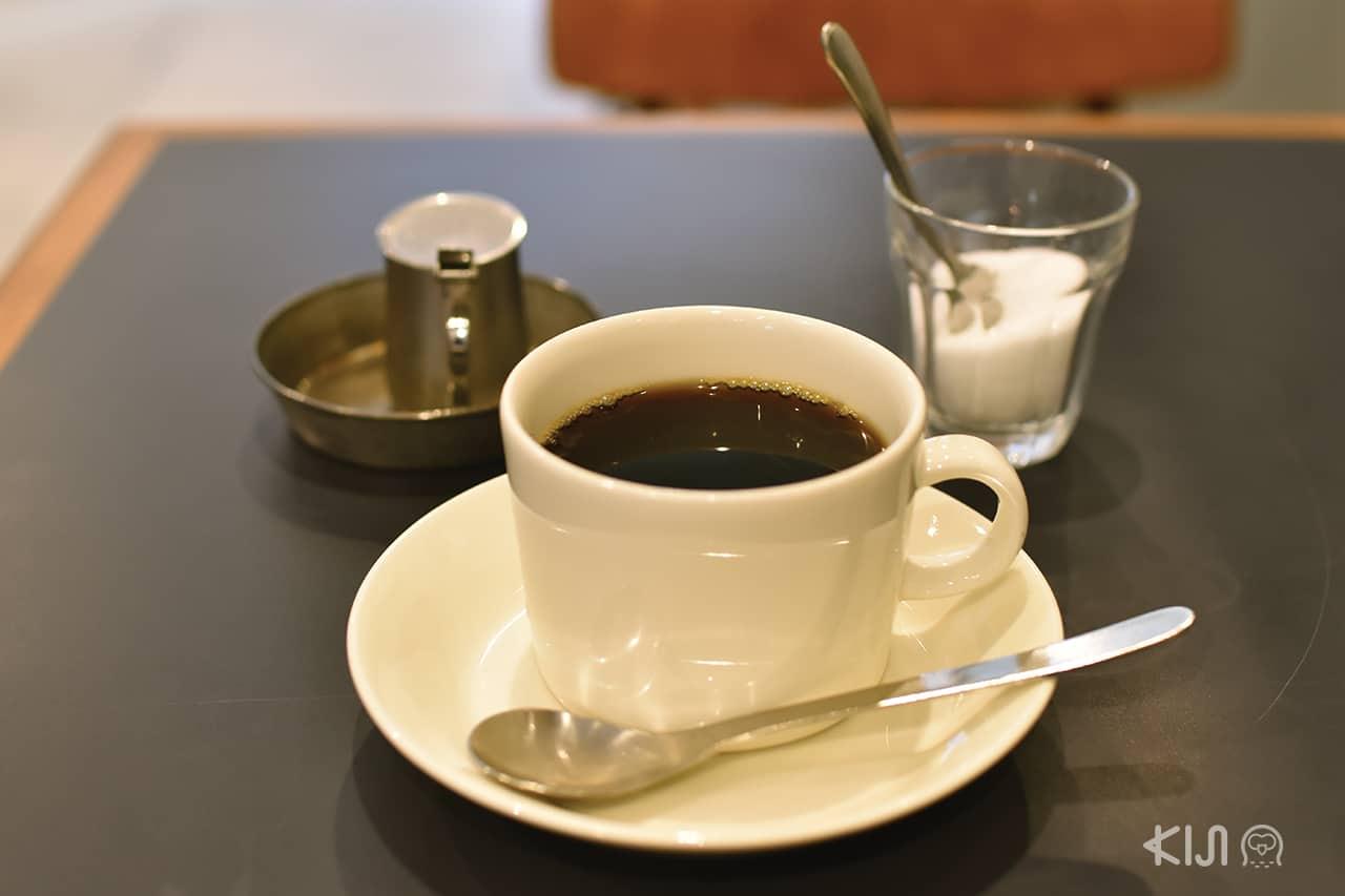 กาแฟดำของร้าน Bolik Coffee