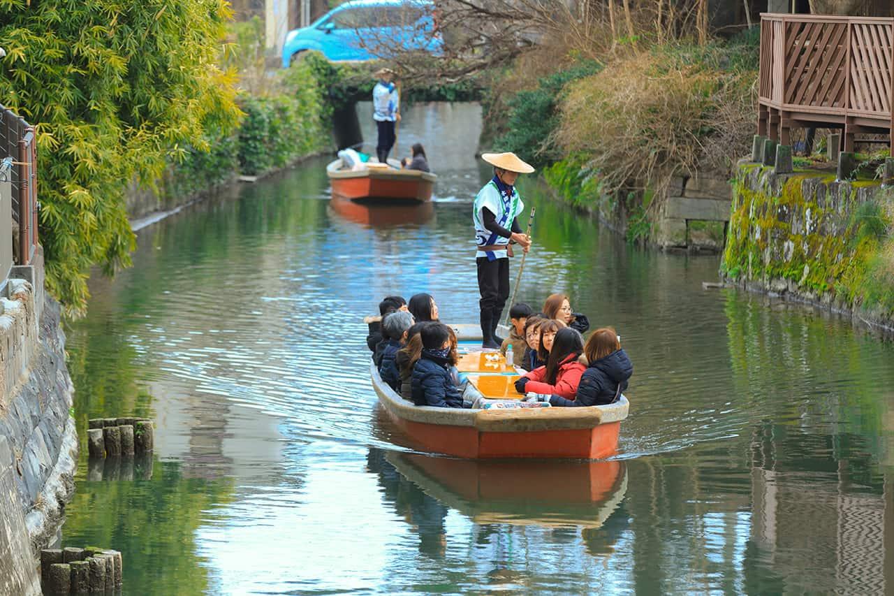 ล่องเรือที่แม่น้ำยานะกาว่า (Yanakawa kawakudari)