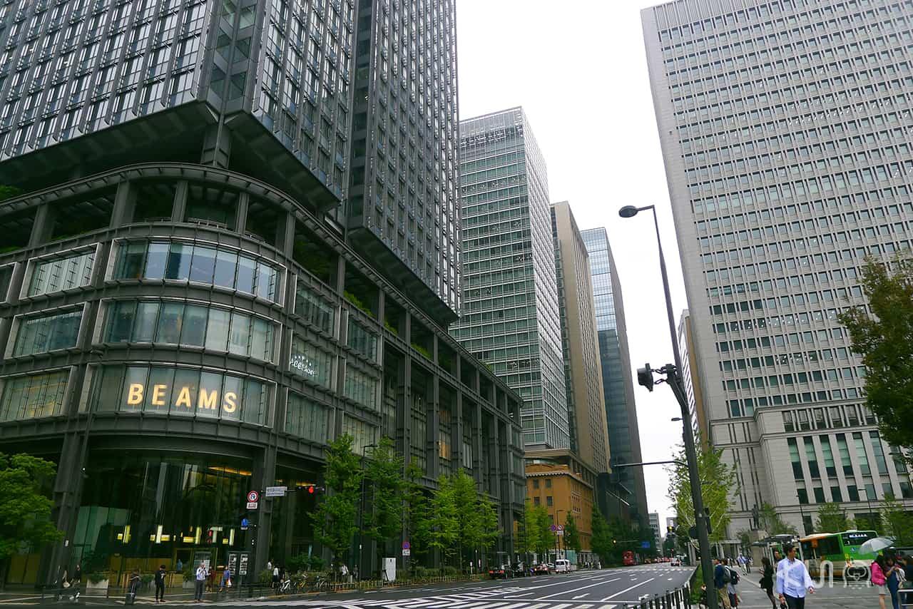 ป้ายร้าน BEAMS กลายเป็นสัญลักษณ์ตึก Shin-Marunouchi ไปแล้ว