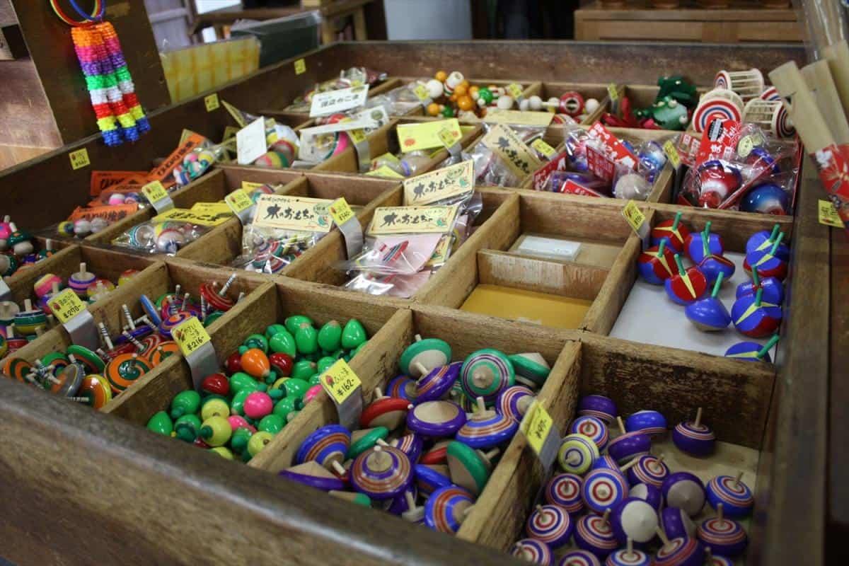 ของเล่นในพิพิธภัณฑ์ของเล่น (Gangukan Folk Toys Museum)