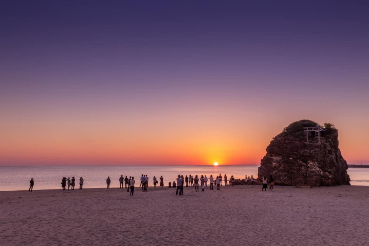 ชายหาดอินาสะโนะฮามะ (Inasanohama Beach)