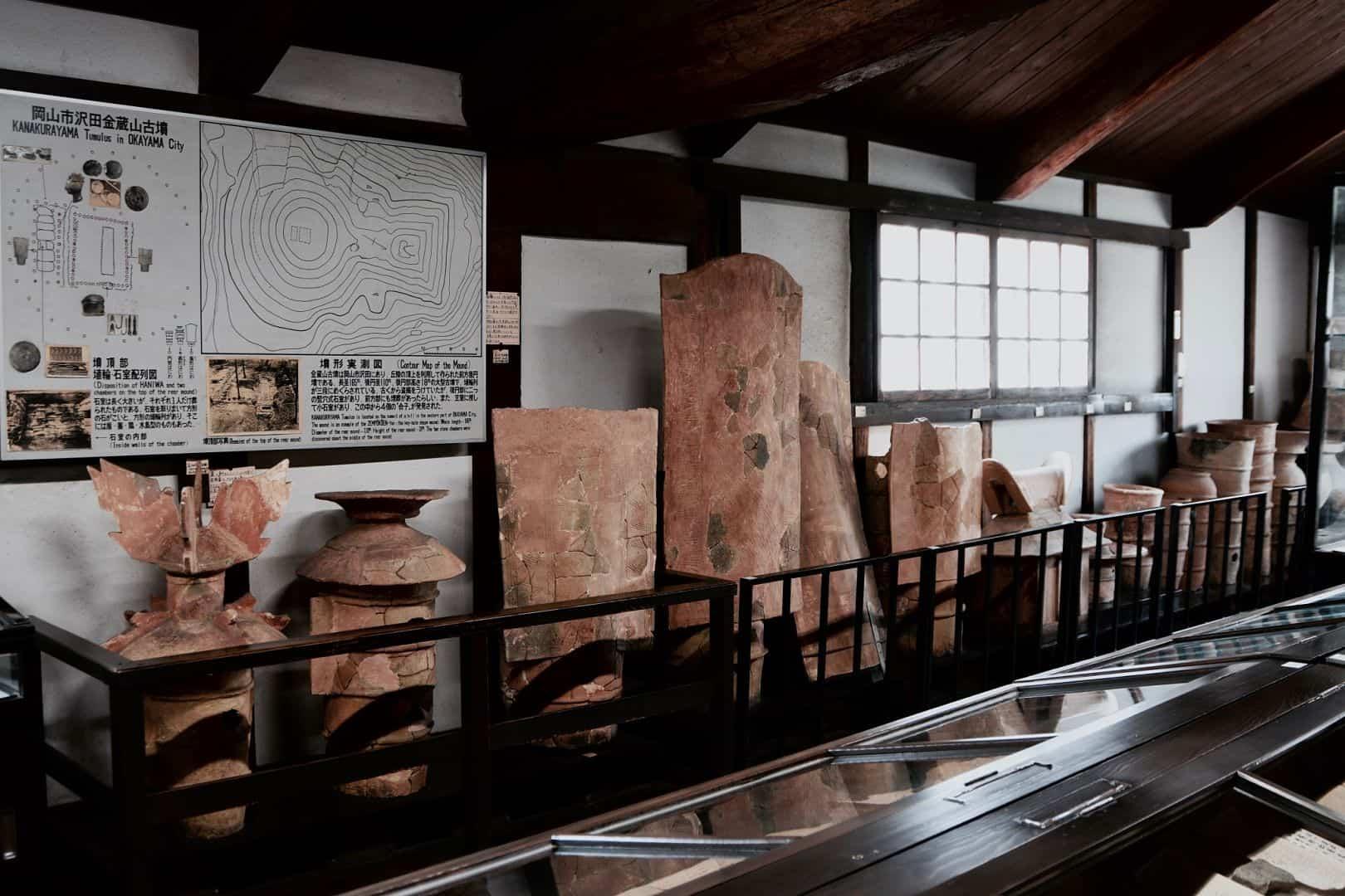 สิ่งของที่นำมาจัดแสดงโชว์ที่ Kurashiki Archaeological Museum