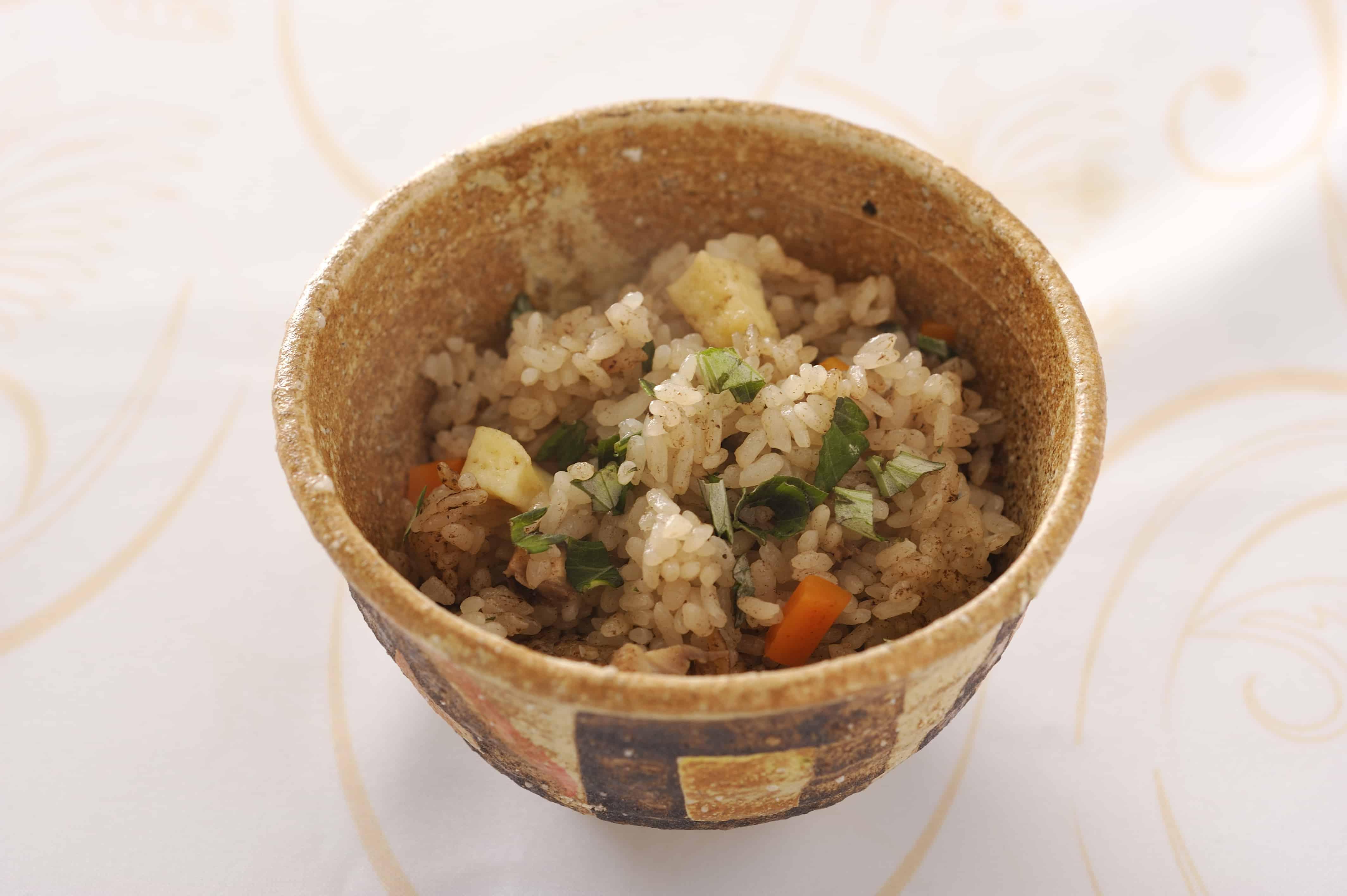 อาหารโอกินาว่า : Jushi (ジューシー)