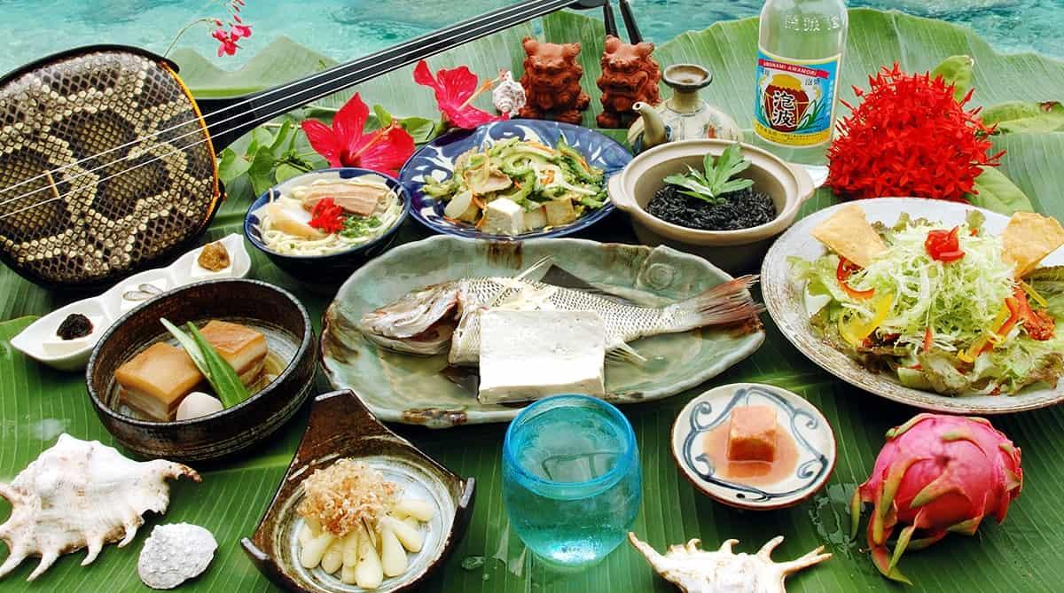 อาหารโอกินาว่า (Okinawa Food) อาหารพื้นเมืองสไตล์ชาวเกาะ