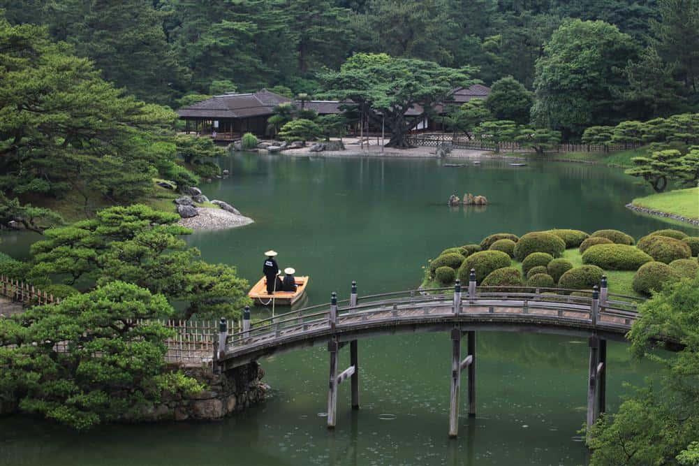 สวนริทสึริน (Ritsurin Garden) ในจังหวัดคางาวะ (Kagawa)