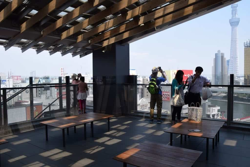 บรรยากาศภายใน Asakusa Culture Tourist Information Center