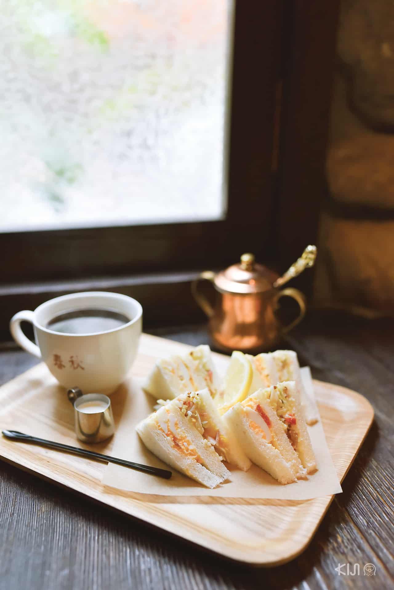 เที่ยวโกเบ : กาแฟและเมนูอาหารโฮมเมดของร้าน Coffee Syunju Kobe