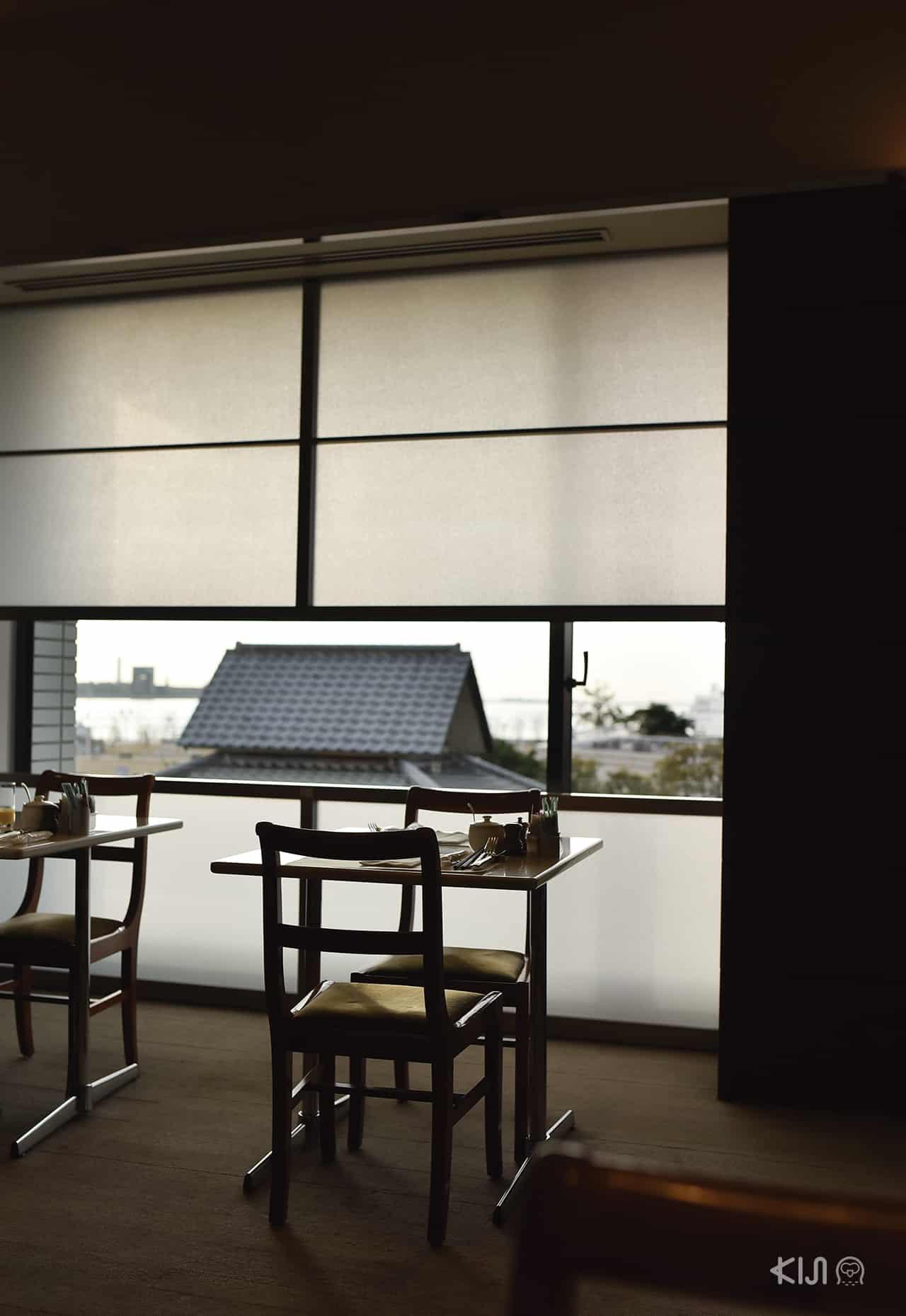 ที่นั่งสำหรับทานอาหาร Hotel Okura Kobe