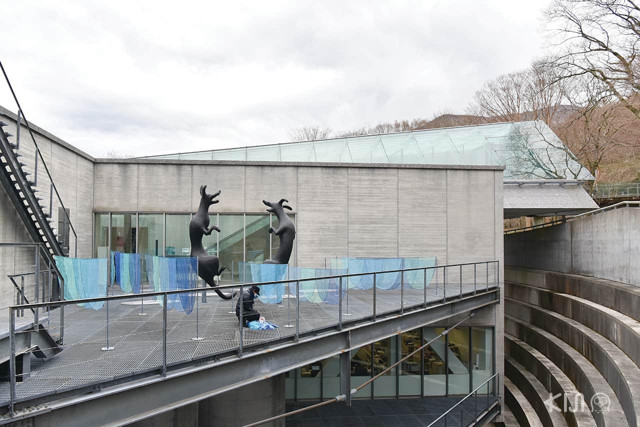 งานประติมากรรมที่ Pola Museum of Art