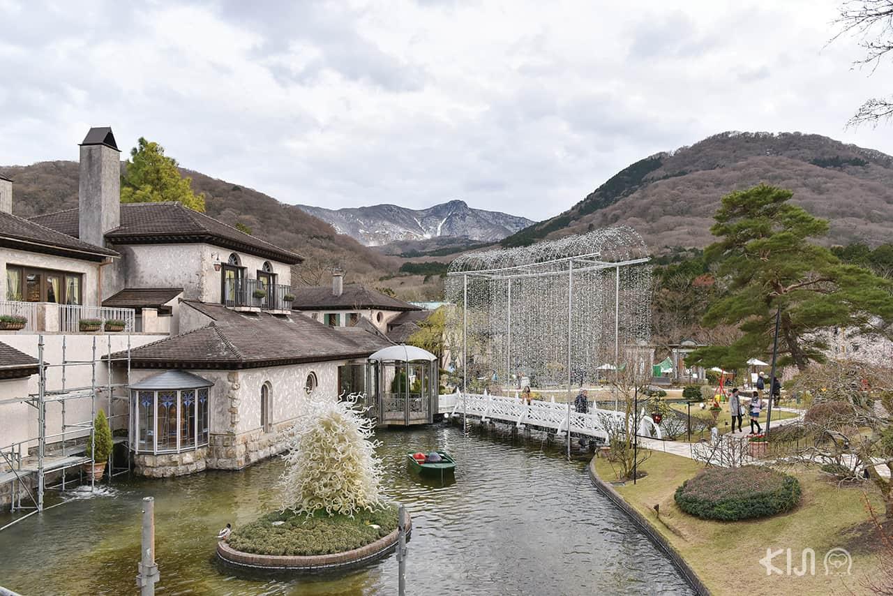 traveling to HAKONE AND KAMAKURA: Hakone Venetian Glass Museum