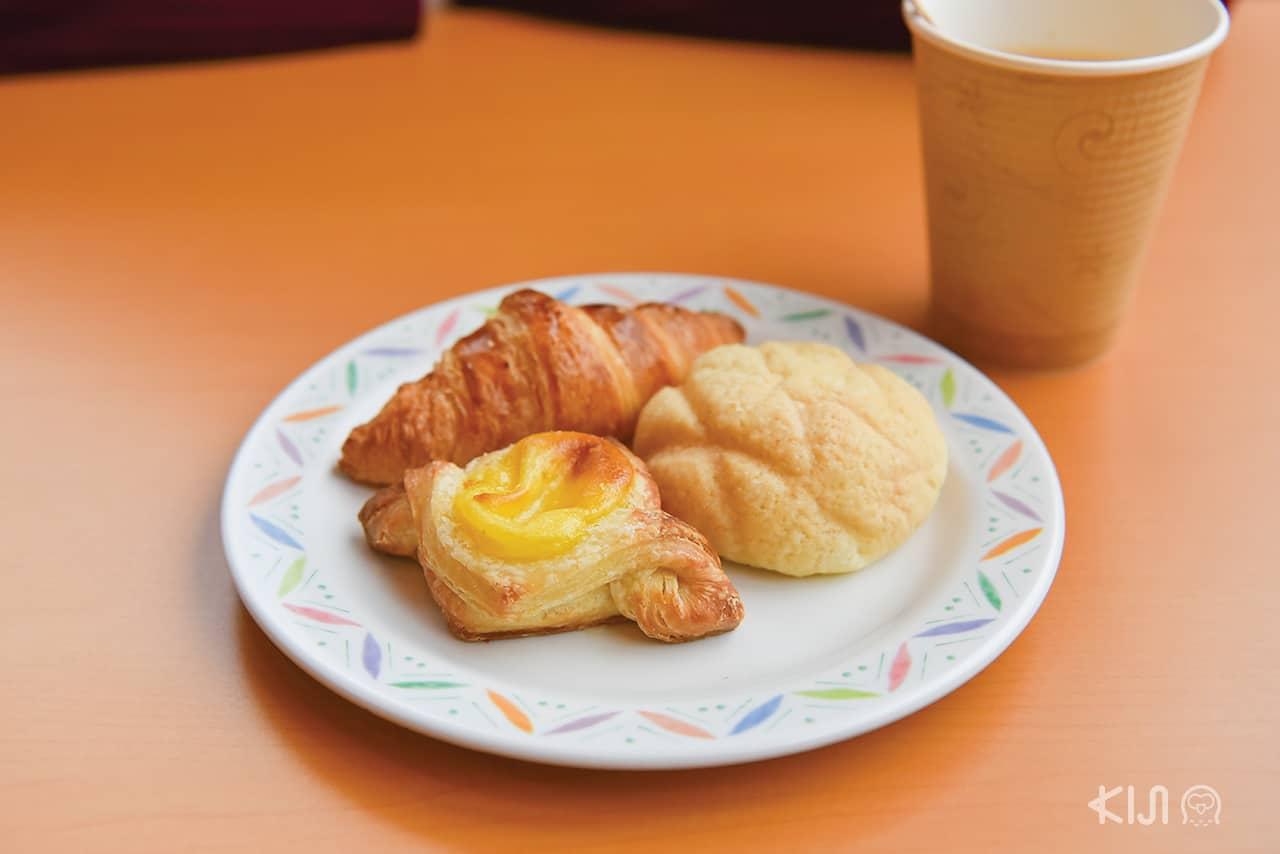ที่โรงแรม Hakone Kowakien Miyamafurin มีขนมปังให้เลือกหลากหลาย