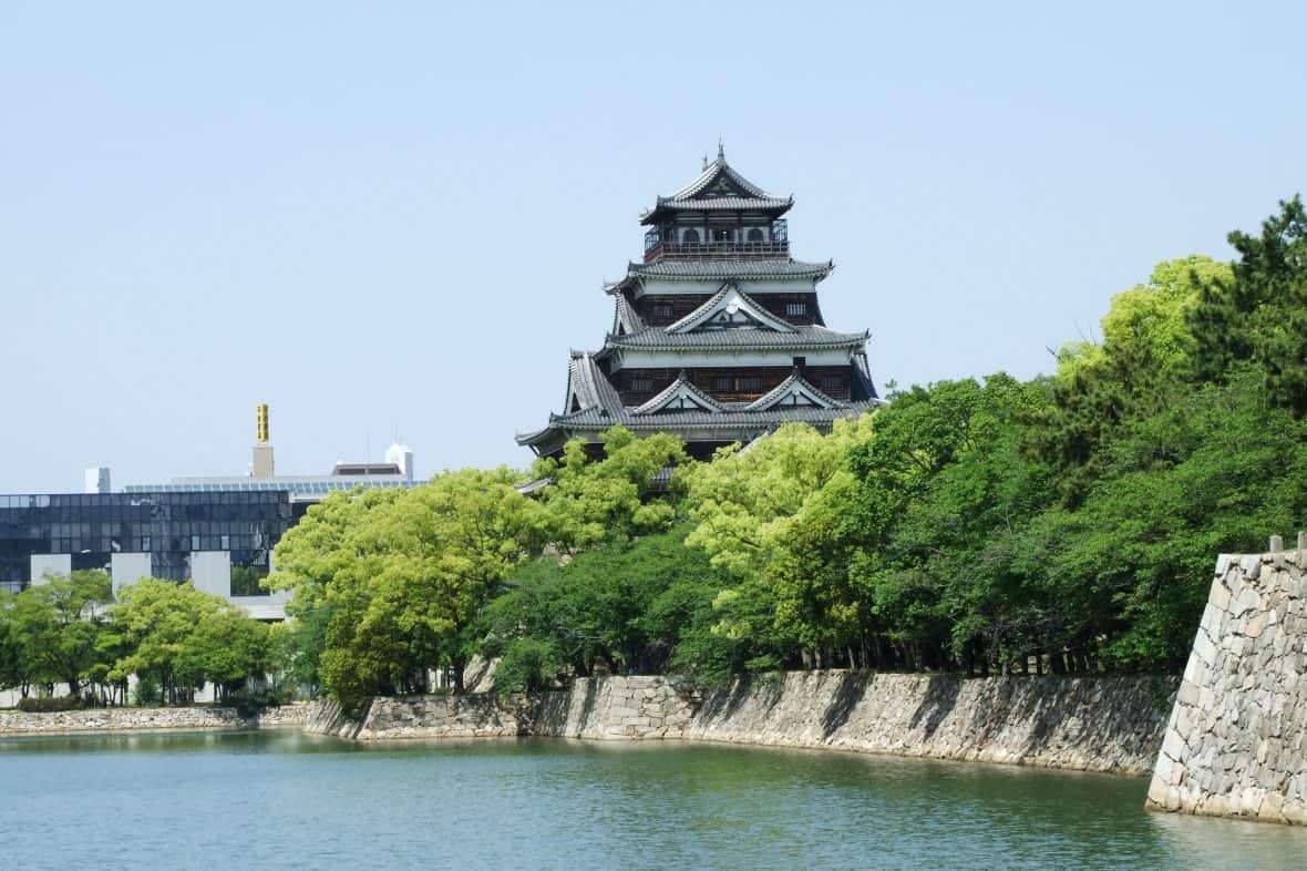 ปราสาทฮิโรชิม่าบนเกาะกลางน้ำ(Hiroshima Castle)