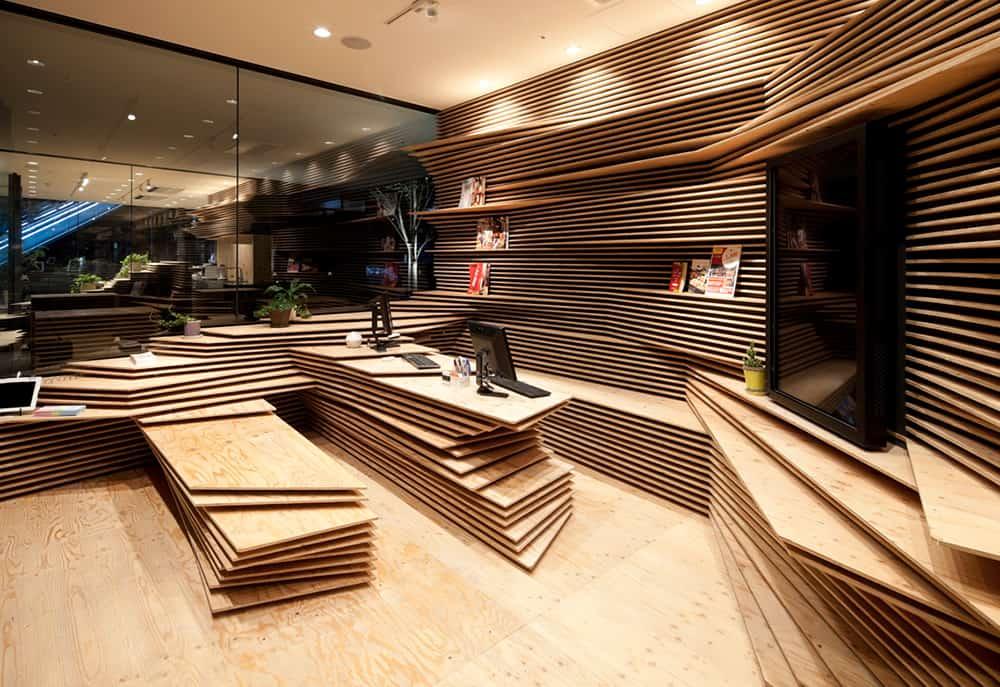 ภายใน Shun Shoku Lounge by Gurunavi ผลงานการออกแบบของเคนโกะ คุมะ (Kengo Kuma)