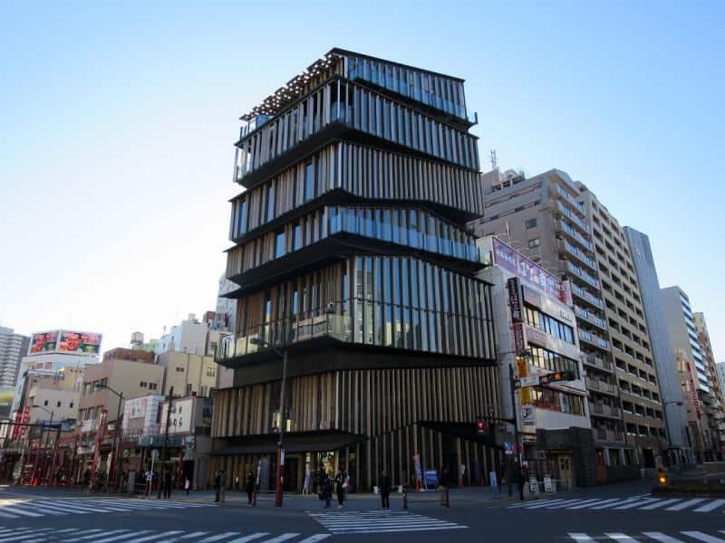 Asakusa Culture Tourist Information Center ออกแบบโดยเคนโกะ คุมะ (Kengo Kuma)