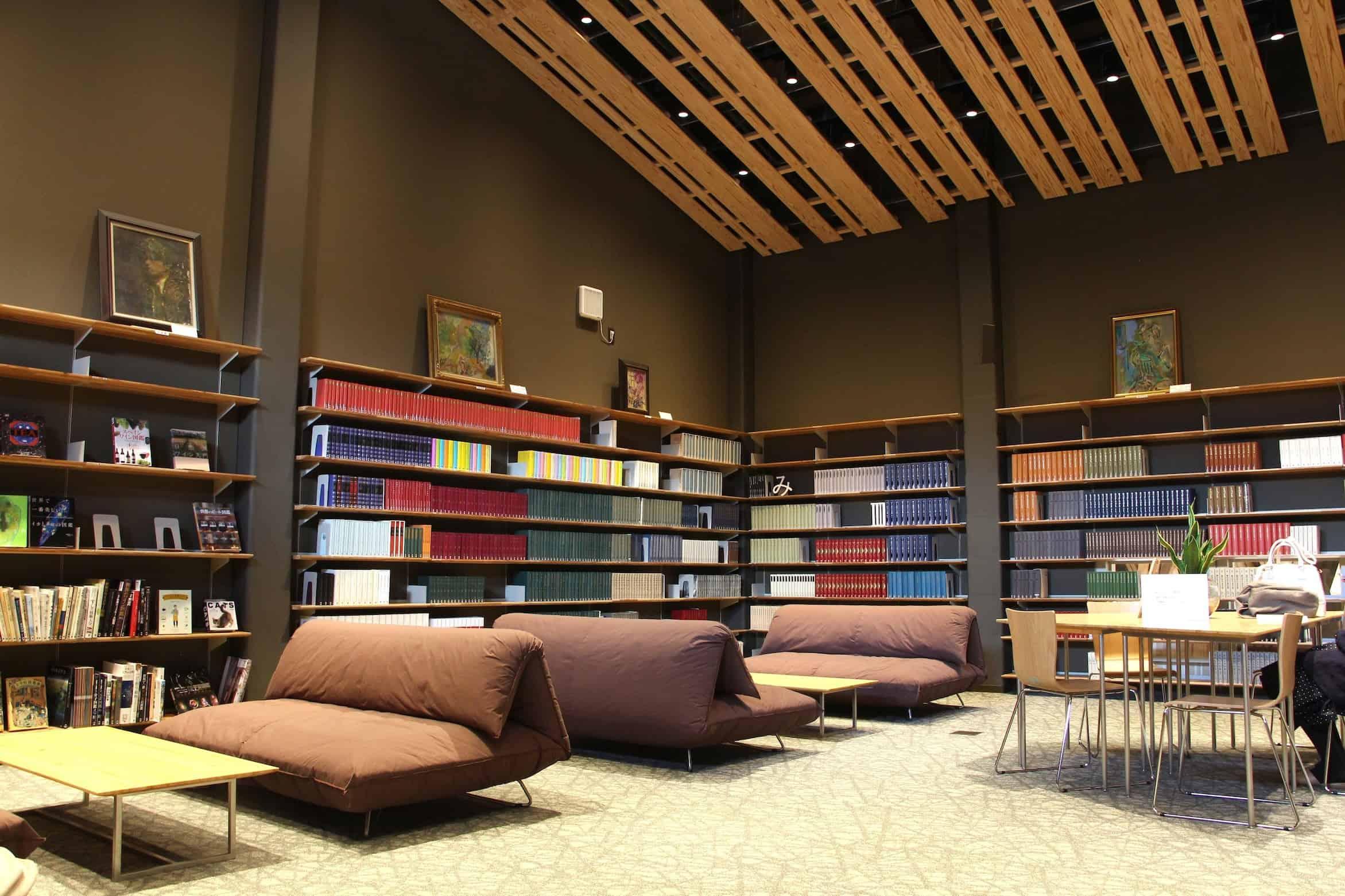 ภายในห้องสมุดที่จังหวัดโคจิ