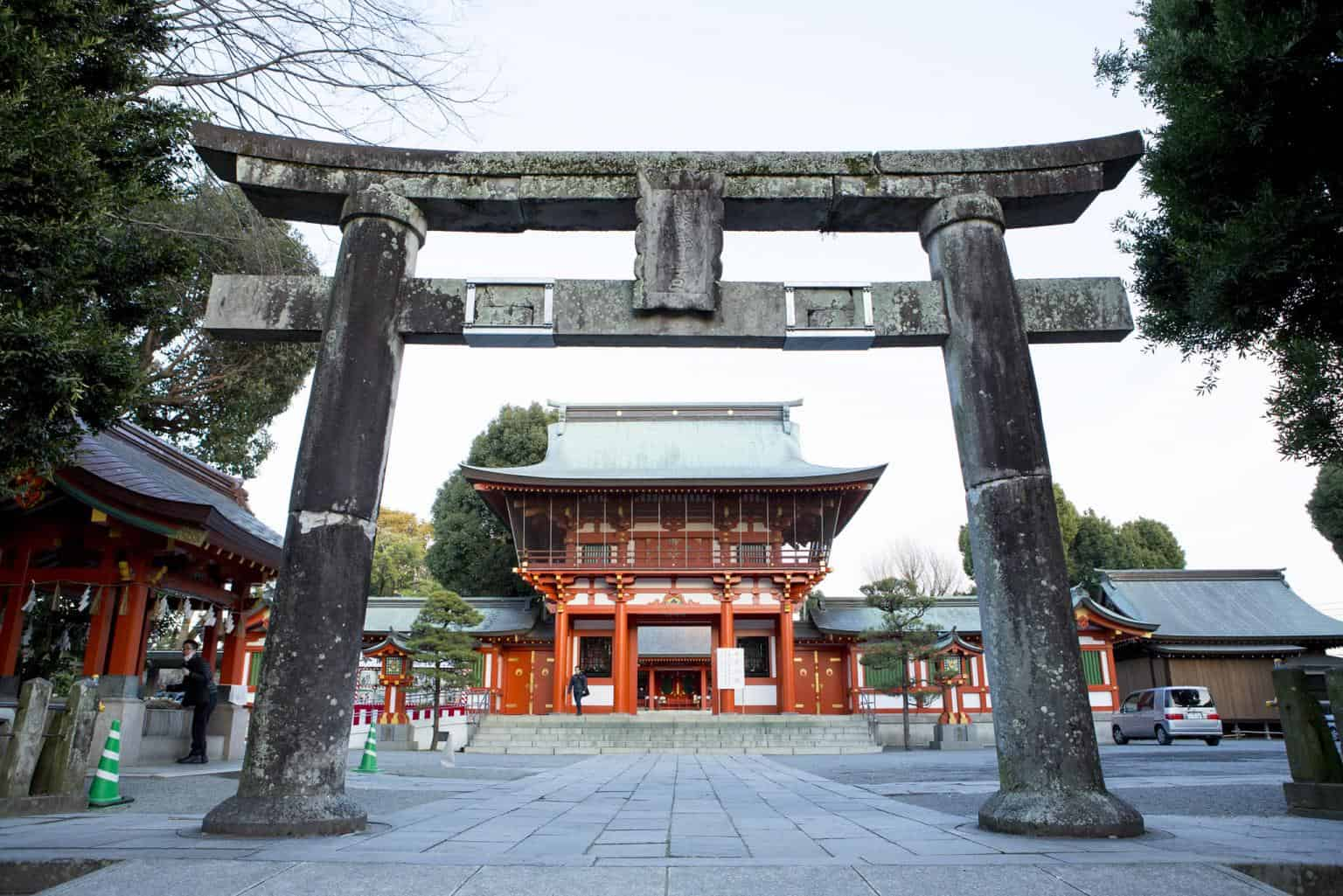 ศาลเจ้าชินโตที่สำคัญอยู่คู่บ้านคู่เมือง Kumamoto มายาวนานกว่า 1,080 ปี!