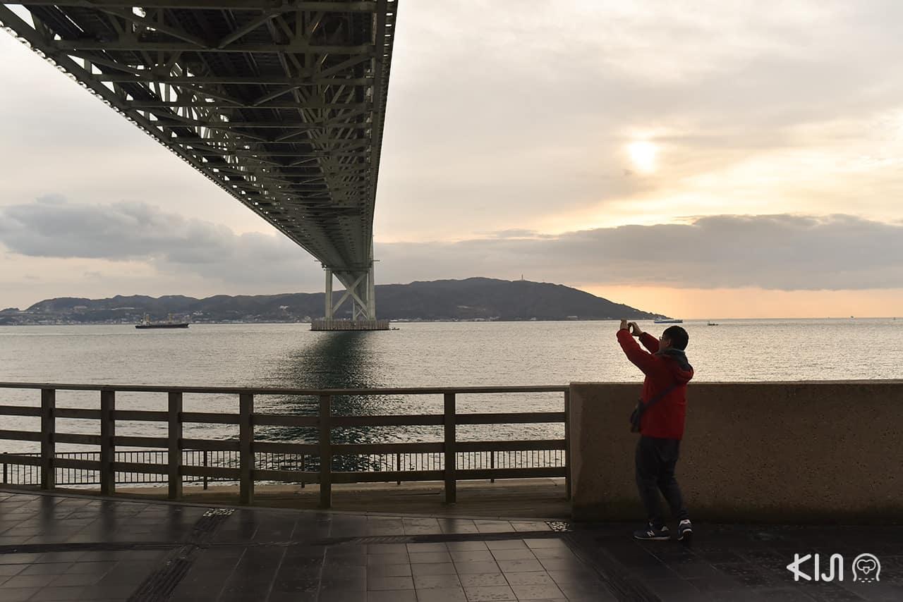 Akashi Kaikyo Bridge, Maiko Marine Promenade
