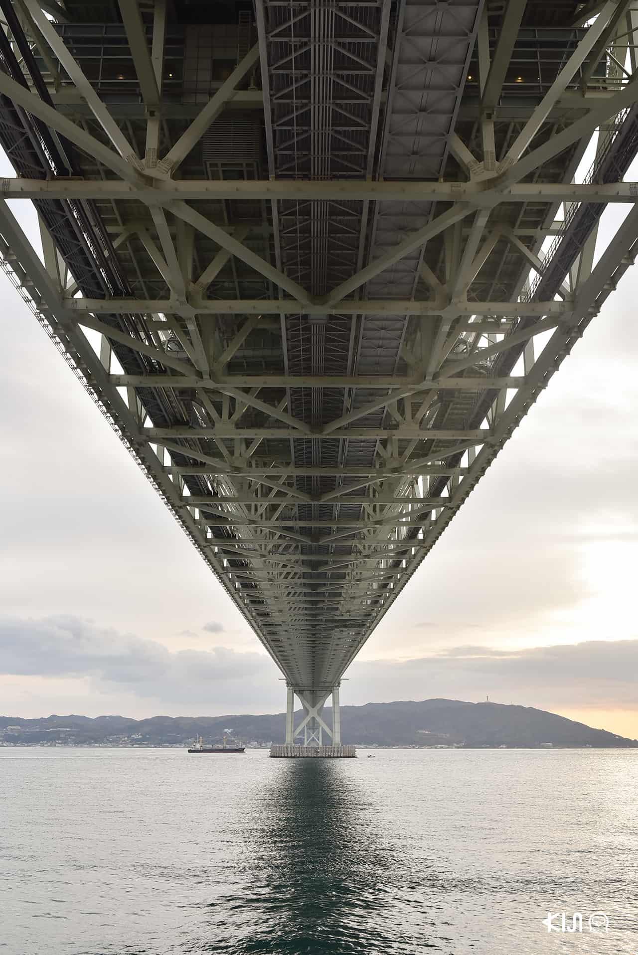 สะพานอาคาชิไคเกียว (Akashi Kaikyo Bridge) สะพานแขวนที่ยาวที่สุดในโลก