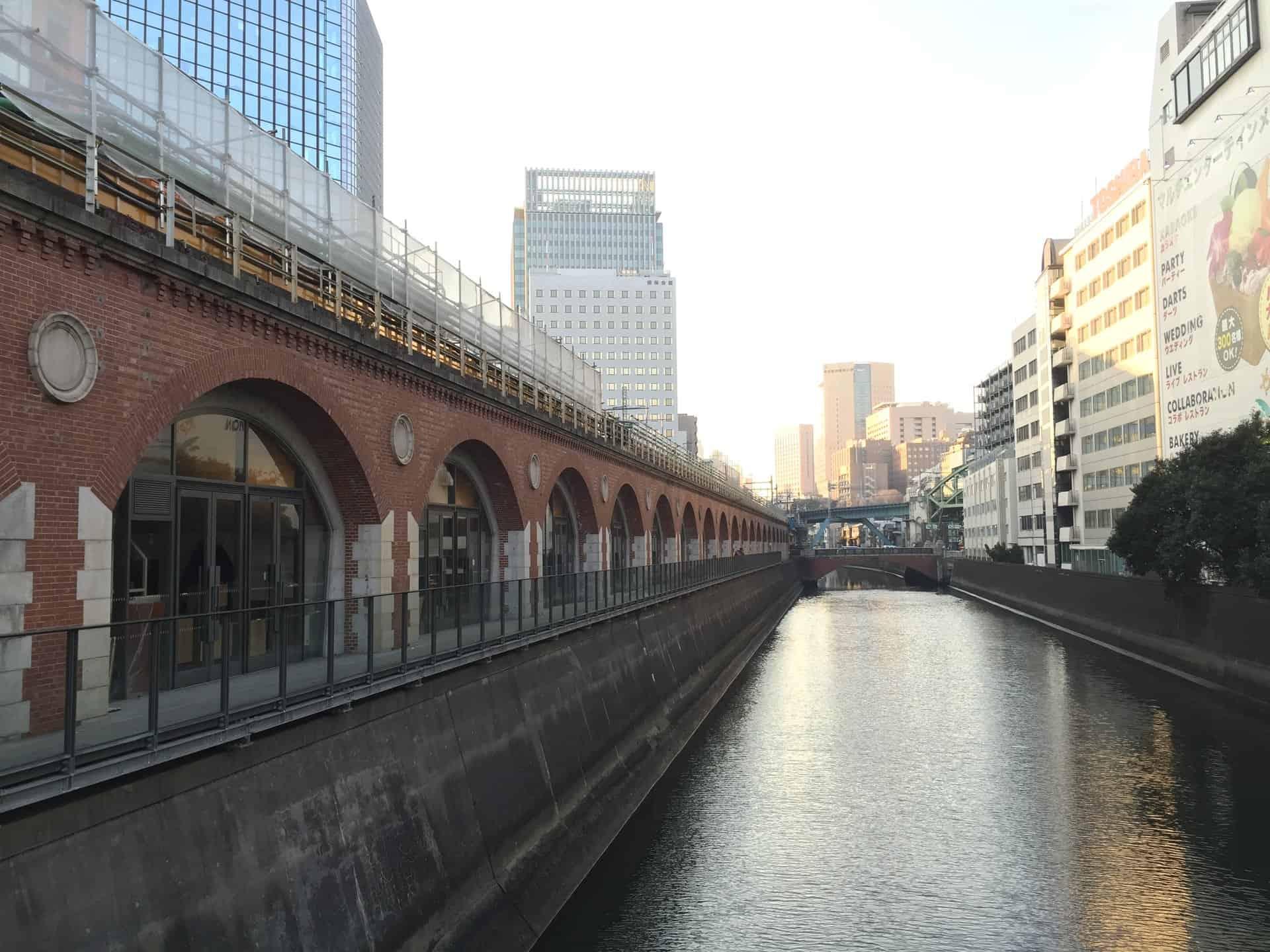 ริมแม่น้ำ Kanda , Tokyo