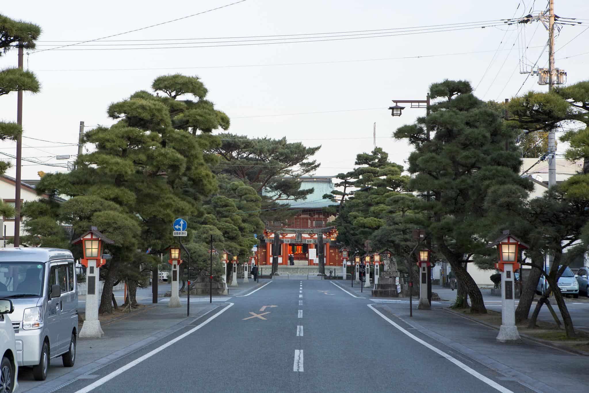 บรรยากาศรอบศาลเจ้า Fujisaki Hachiman Shrine